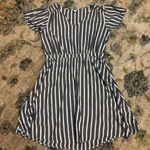 Old Navy Bell sleeve dress, Size Large